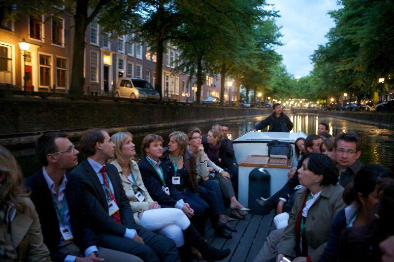 Prins voor een Nacht Ooievaart door de Haagse grachten