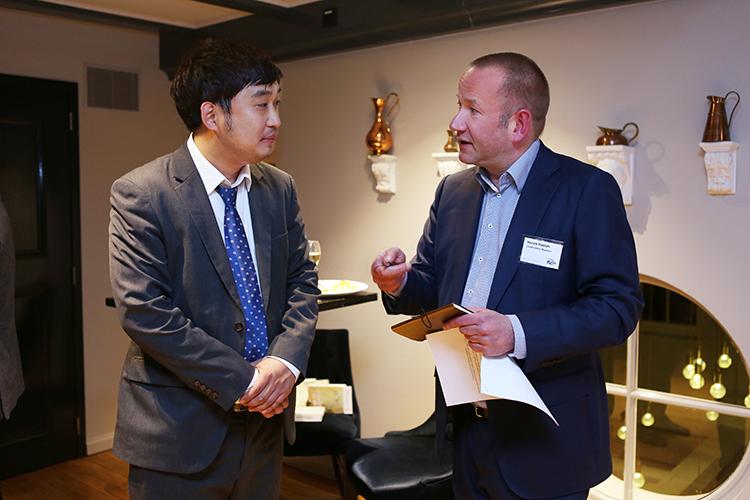 De auteur dezer rubriek in gesprek met Alain Ahn, assistant manager van Jane Tour & DMC uit Seoul. 'De G20 summit en de Olympische Winterspelen hebben Zuid-Korea flink op de kaart gezet als zakelijke bestemming'.