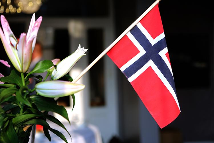 Noorse vlag in bloemstuk