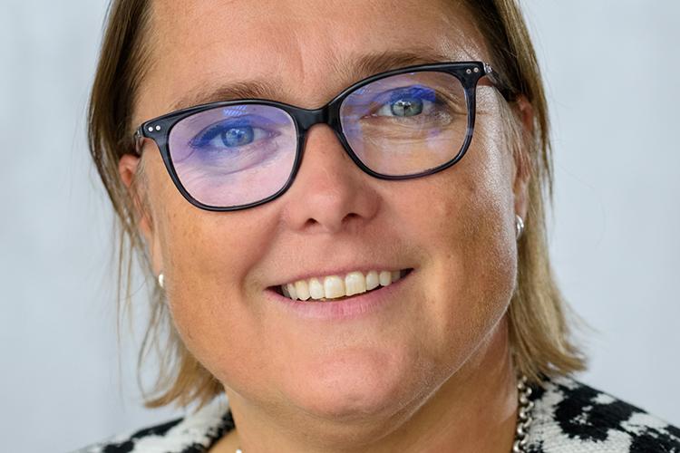 Carola van der Hoeff FIP