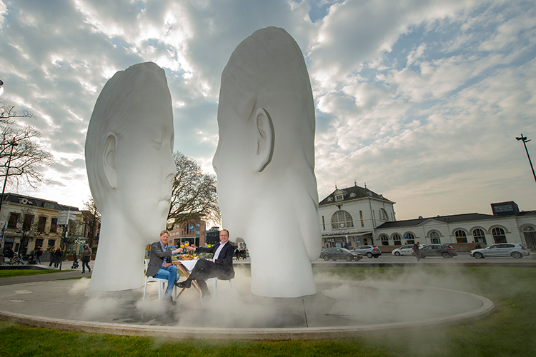 Love fountain in Leeuwarden by Jaume Plensa | © Ivan Pakan - Gull design & media