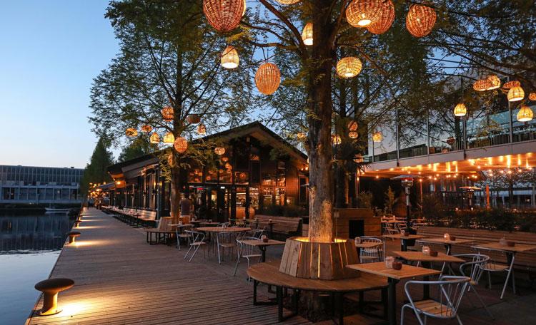 Strandzuid_Restaurant_terras_avond
