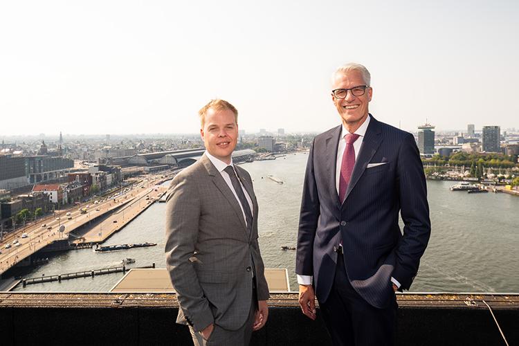 Lex Visser en Remco Groenhuijzen voor het uitzicht van ijVENUES Amsterdam