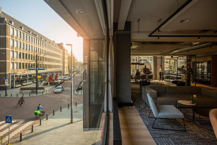 Postillion WTC Rotterdam - Lounge met zicht op Meent