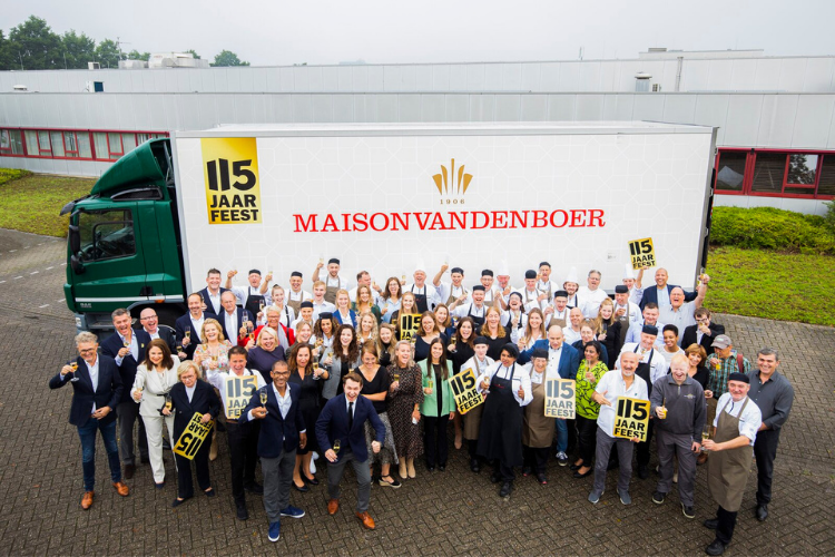 Maison van den Boer vier 115 jarig bestaan